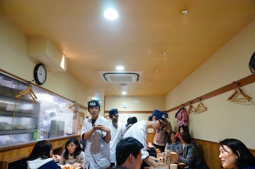 日本旅遊,關西自由行,大阪平價小吃,心齋橋美食,道頓堀美食,串燒,炸物,炸串,關東煮,名人推薦美食,112