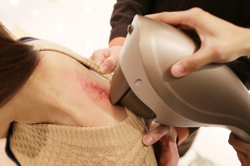 OSIM,刮痧按摩棒,小鯊魚按摩棒,溫熱按摩,膽經,消水腫,116